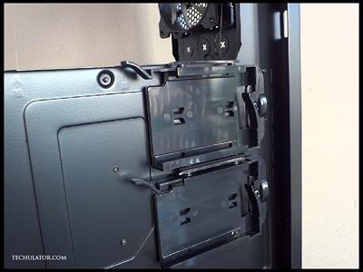 Corsair 450D SSD bay