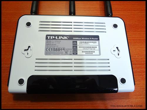 TP Link TL-WR940N Rear