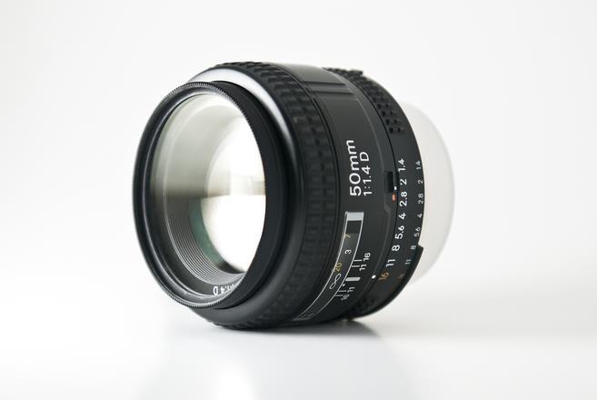 Dslr_lens.jpg