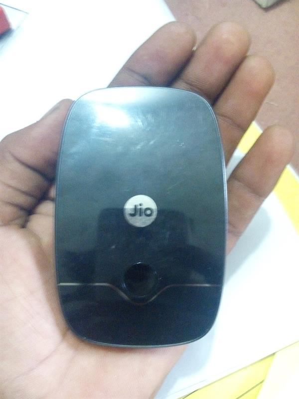 Reliance JioFi Portable Wi-Fi Hotspot Review Price