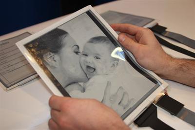 Papertab tablet - Intel, Plastic Logic and Queens U build flexible e-paper tablet (video)